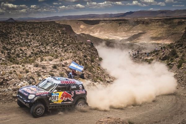 Victoria de Nasser Al-Attiyah a bordo del MINI ALL4 Racing